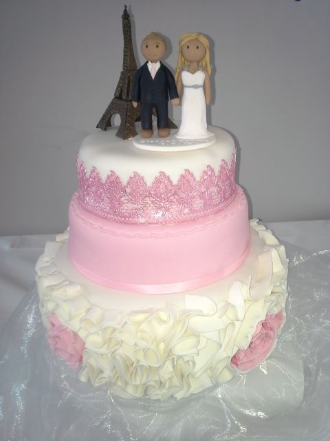 pink_lace_wedding_cake