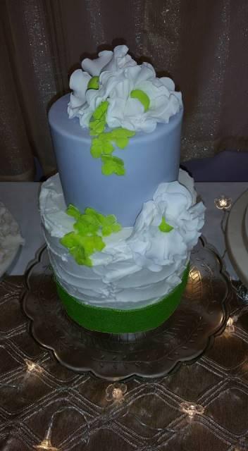 green_wedding_cake